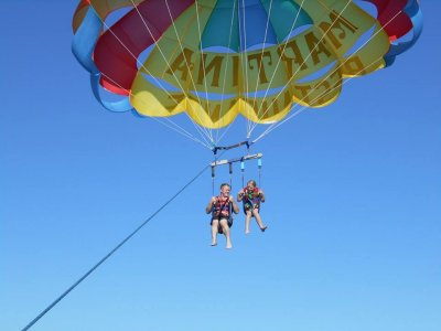 Parascending in Ibiza, Video and Drinks