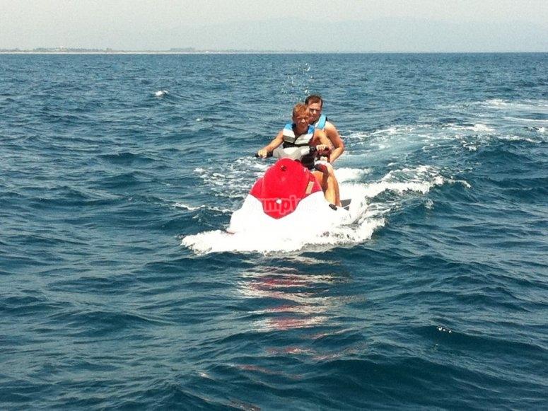 全油门赫罗纳两人座摩托艇