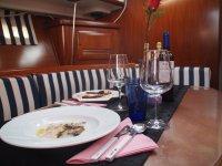 Pulpo con vino gallego a bordo