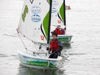参加儿童帆船赛