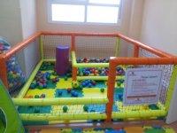 recinto de futbolin con bolas