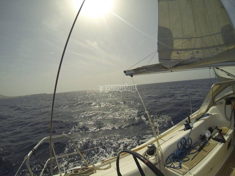 航行至Tabarca