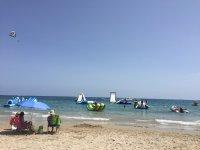 parque acuatico en la playa
