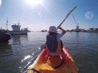 Paleando en el kayak
