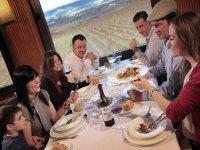 Restaurante panorámico con vistas a los viñedos