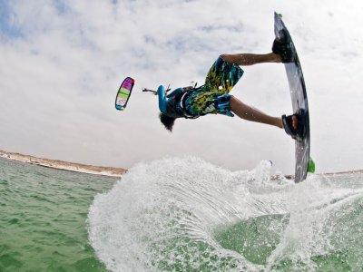 Clase de kitesurf privada en Fuerteventura 1 hora