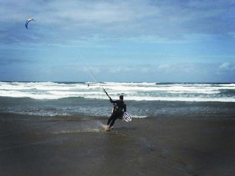 Listos para una clase de kitesurf