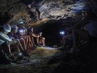 探索特内里费岛的洞穴