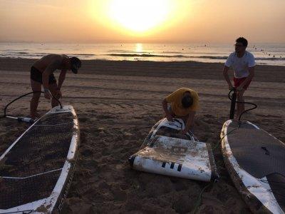 SUP y snorkel al atardecer en Playa de San Juan 2h