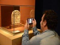 Fotografiando piezas únicas del museo