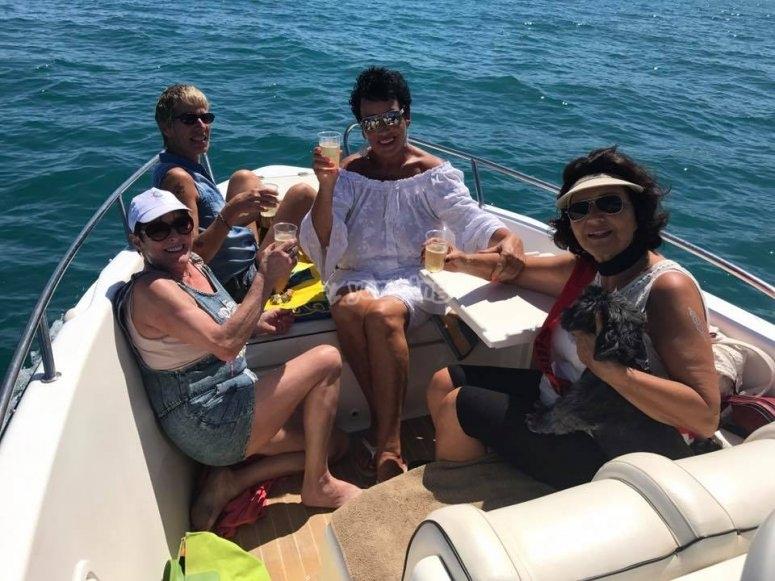Excursión en lancha por Nerja
