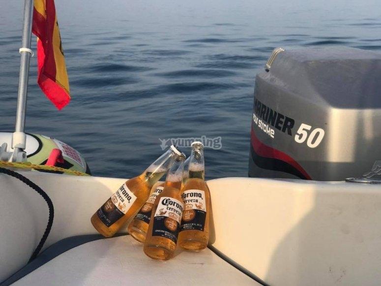 Embarcación equipada