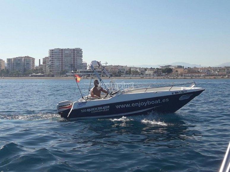 Barco en Caleta de Vélez