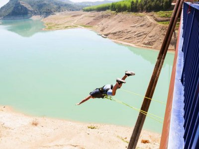 Bungee jumping in Yeste with video