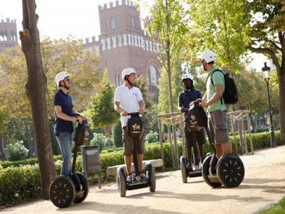 Segway代步车游览Montjuic 3小时。