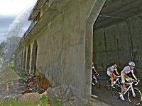 Atravesando el túnel incluído en la travesía