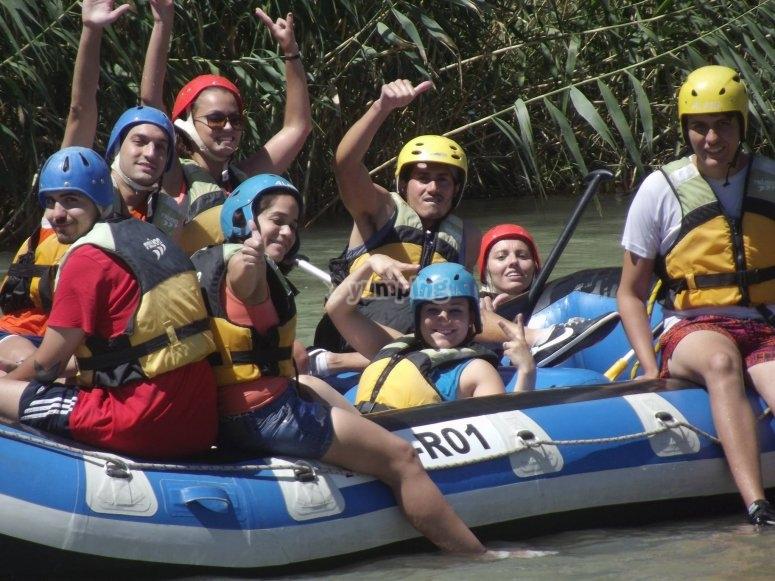 Disfrutando del rafting