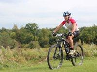 Montar en bici en la naturaleza