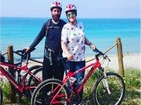 En pareja con las bicis