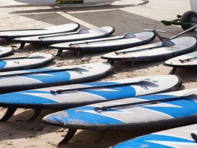 在Isla Canela 1h划桨冲浪