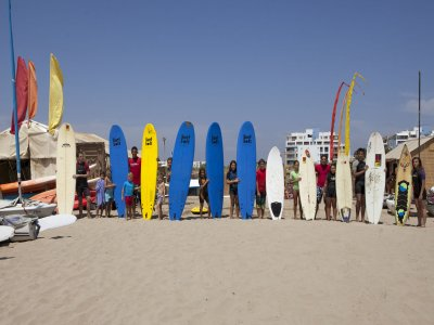 Alquiler material surf iniciación Isla Canela 1h