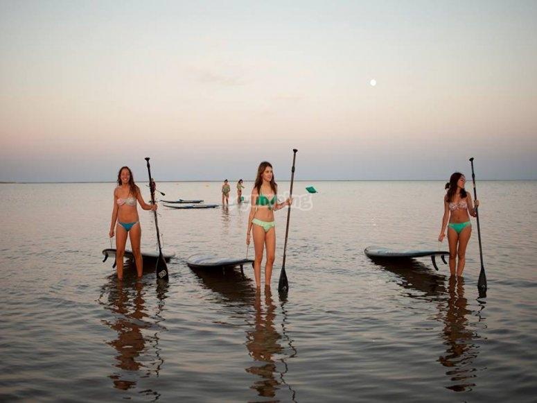 Material de paddle surf en Isla Canela