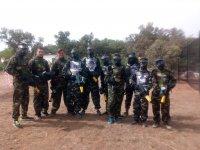 Grupo de jugadores de paintball