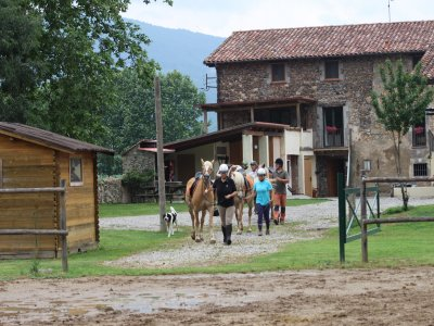 Ride a Horse in La Garrocha + 3h Class & Snack