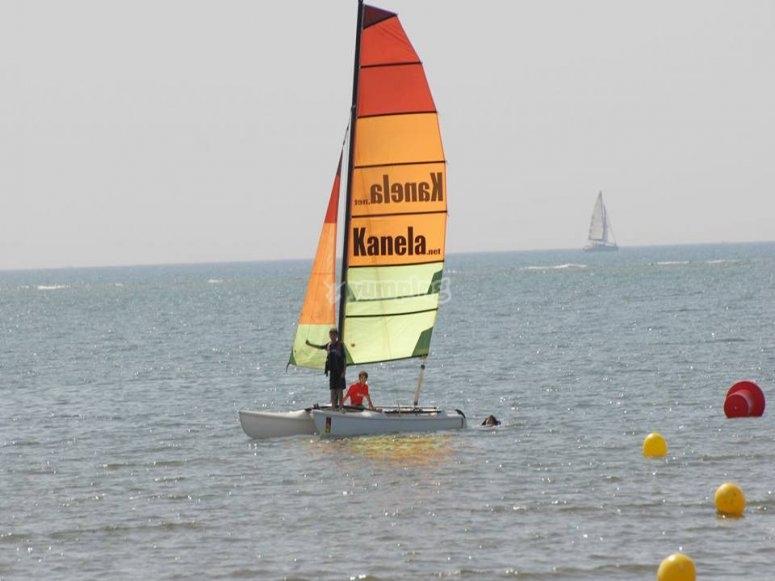 Clase de catamarán en Huelva