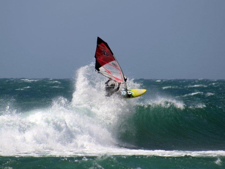 acrobacias de windsurf