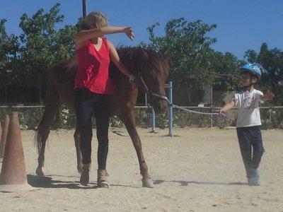 Clase de equitación en Tibi 30min y práctica libre