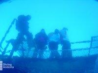 ¿Quién está bajo el agua?