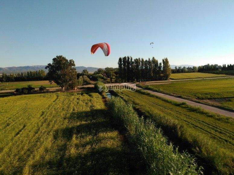 Paramotor junto al Ebro