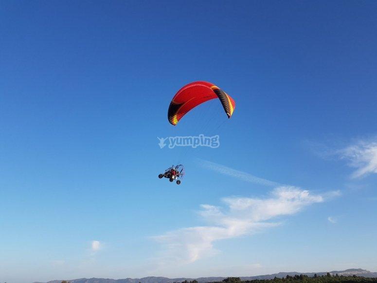 Volando en paramotor en Tarragona