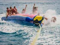 Caída al mar desde la banana boat