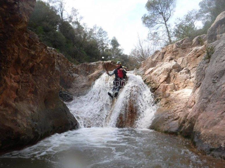 水滑梯瀑布