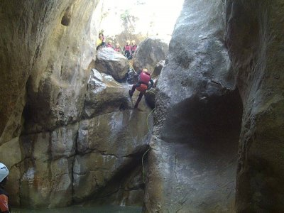 Canyoning in Forat Negre induction