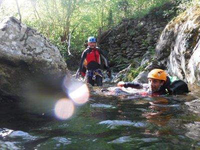 Barranco de iniciación en Querabs, 4-5 horas.