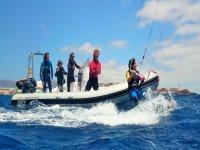Kite con embarcacion de apoyo