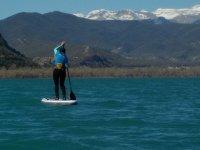 韦斯卡比利牛斯山脉的桨冲浪