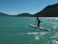 在板上划桨SUP