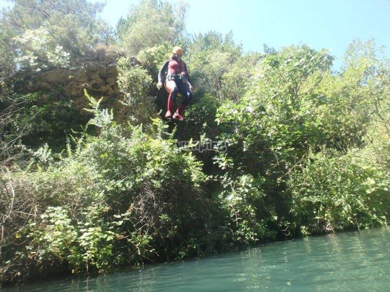 Saltando al agua