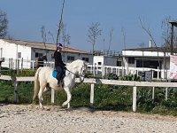 A lomos del caballo durante la clase
