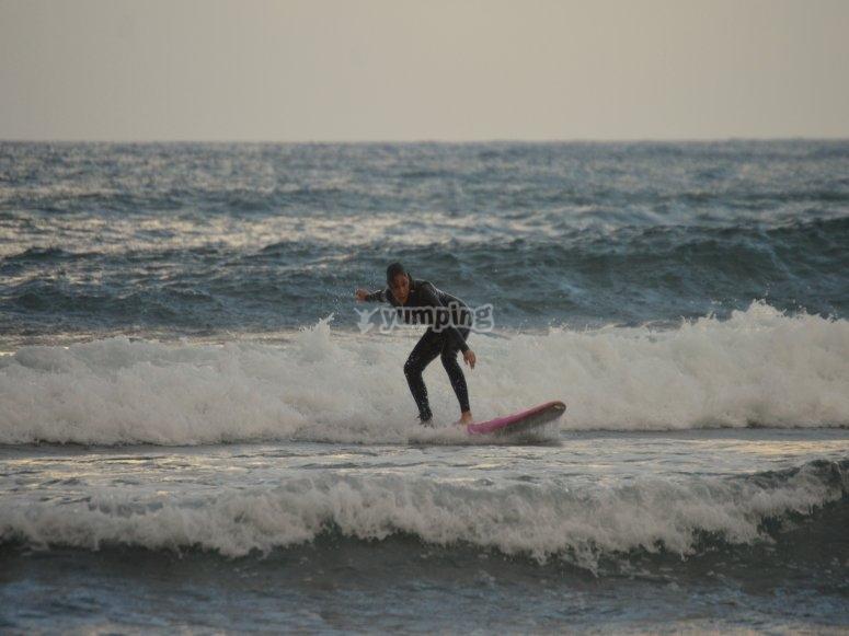 Sesión de surf en Barcelona