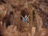 家庭在Anes洞穴