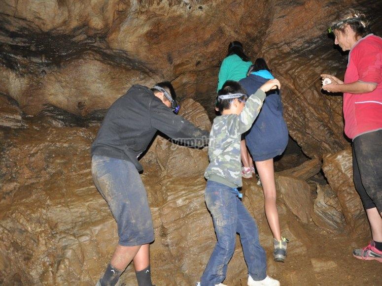 Esplorare la grotta