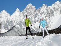 Esquiando con un amigo