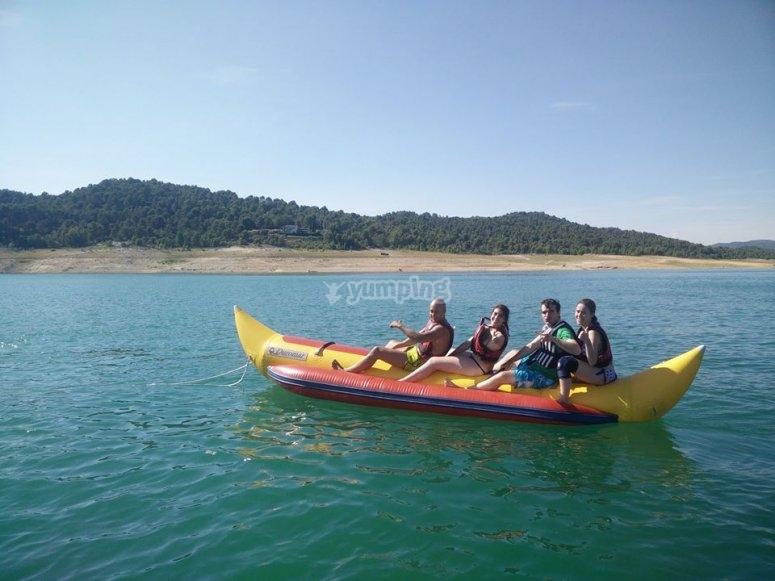 香蕉船在EmbalseEntrepeñas