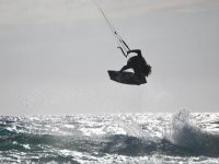Experience all the emotion of kitesurfing