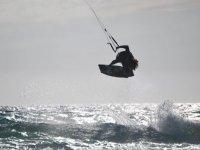 vivi tutta l'eccitazione del kitesurfing